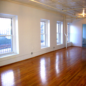 lots of light and windows with large open plan loft apartment park slope brooklyn 11215  for rent