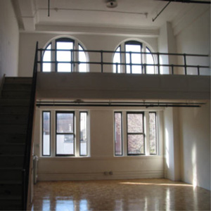 loft 2D in ballroom building 318 grand street williamsburg brooklyn